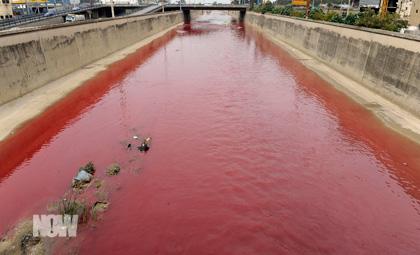 http://blogbaladi.com/images/Beirut-River-turns-red.jpg
