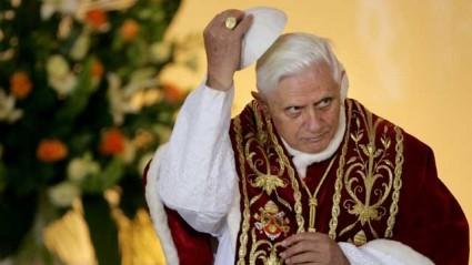 ap_vatican_pope_benedict_resigns_file_thg_130211_wg