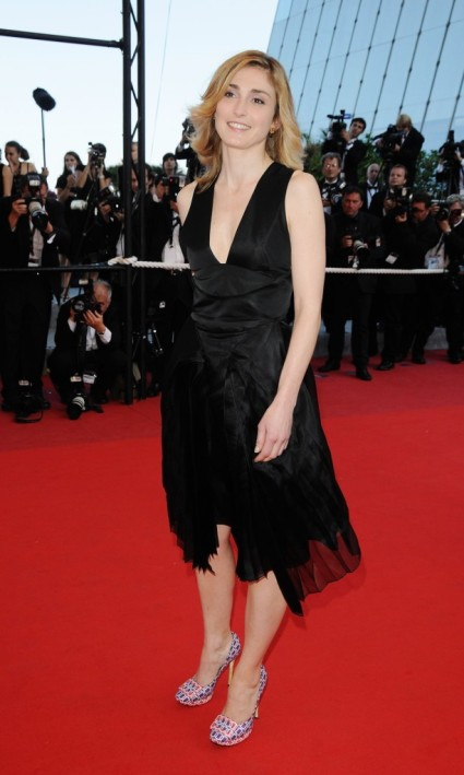 Julie Gayet wearing Roger Vivier shoes