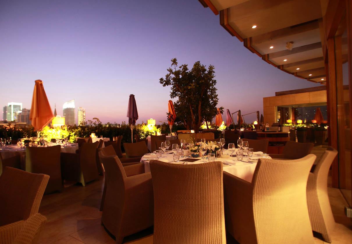 1210x840_indigo terrace dinner at dusk - evening