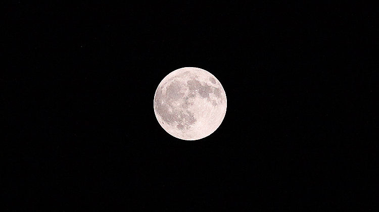 Pictures from Friday's Harvest Moon in Beirut