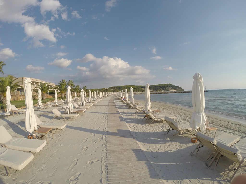 sani-asterias-white-sand