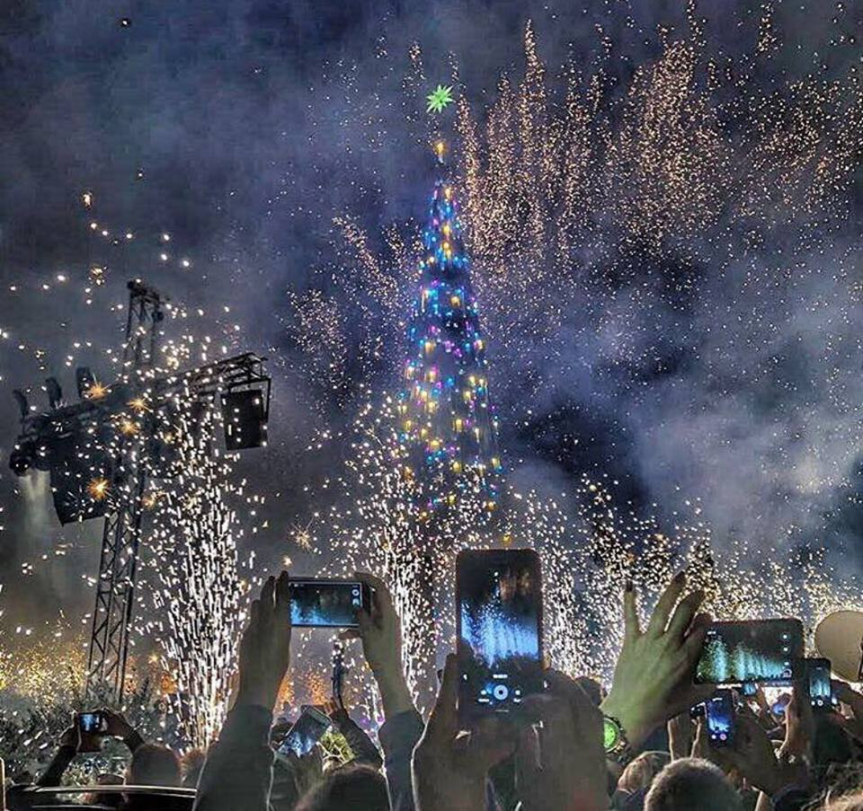 Byblos christmas tree decoration 2017 blog baladi for Decoration 2017