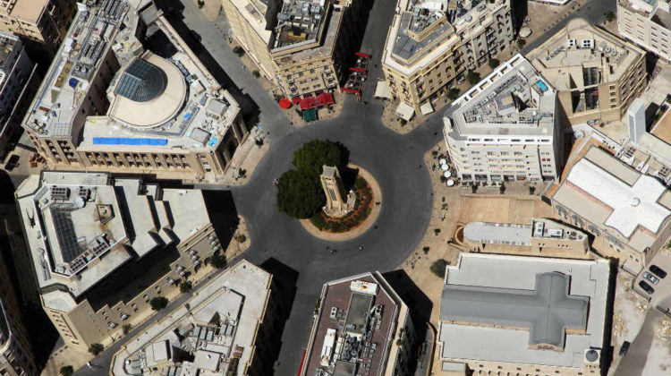 Beirut's Nejmeh Square to Re-Open FINALLY!