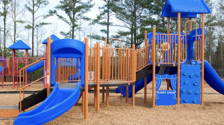 "Ignorant & Racist Parents Complain about a ""Black Kid"" at a Keserwan Nursery"